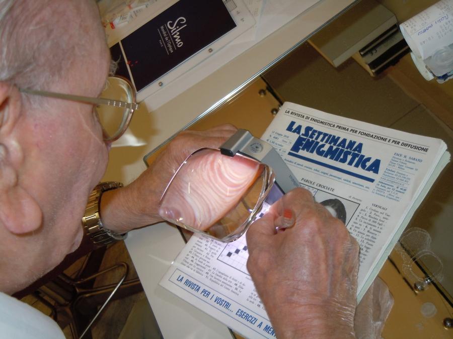 Occhiali e lenti per maculopatia occhiali per ipovedenti lenti